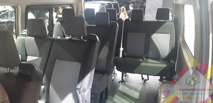 Interior Toyota Hiace generasi Terbaru